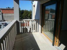 .:: Luksuzna višeobiteljska kuća s garažama blizu plaže ::.